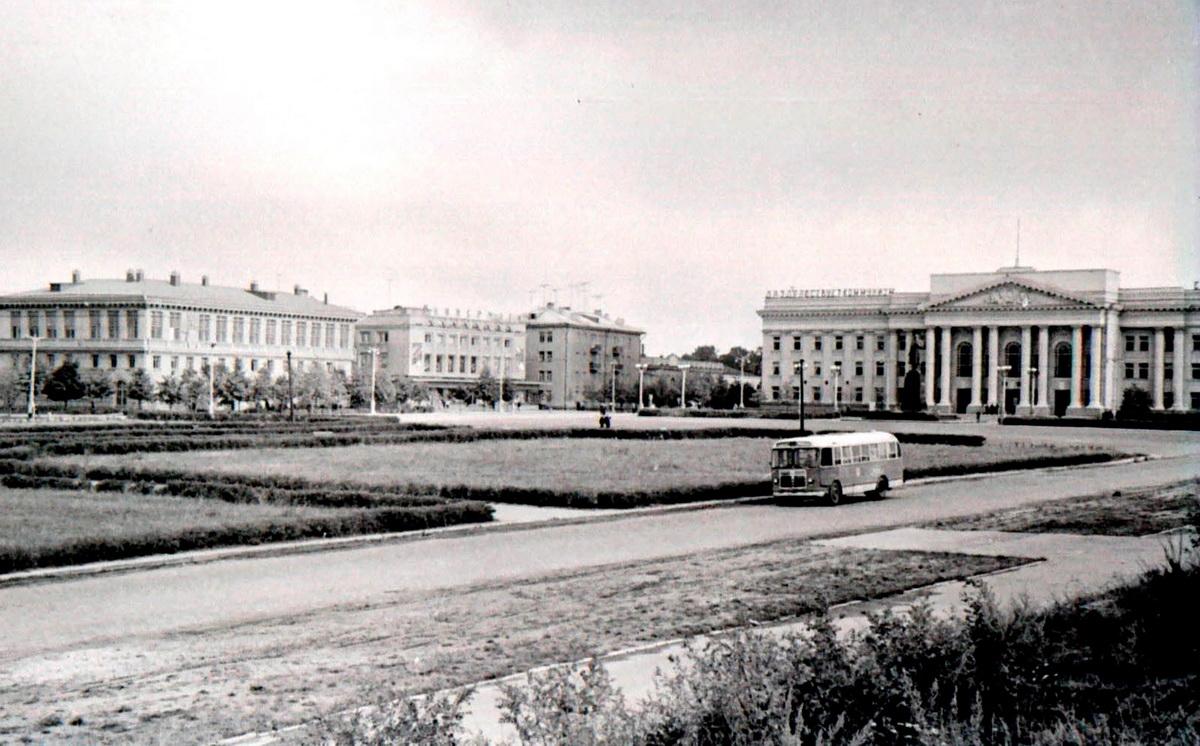 Новы адміністрацыйны цэнтр горада вырас у 1950-я
