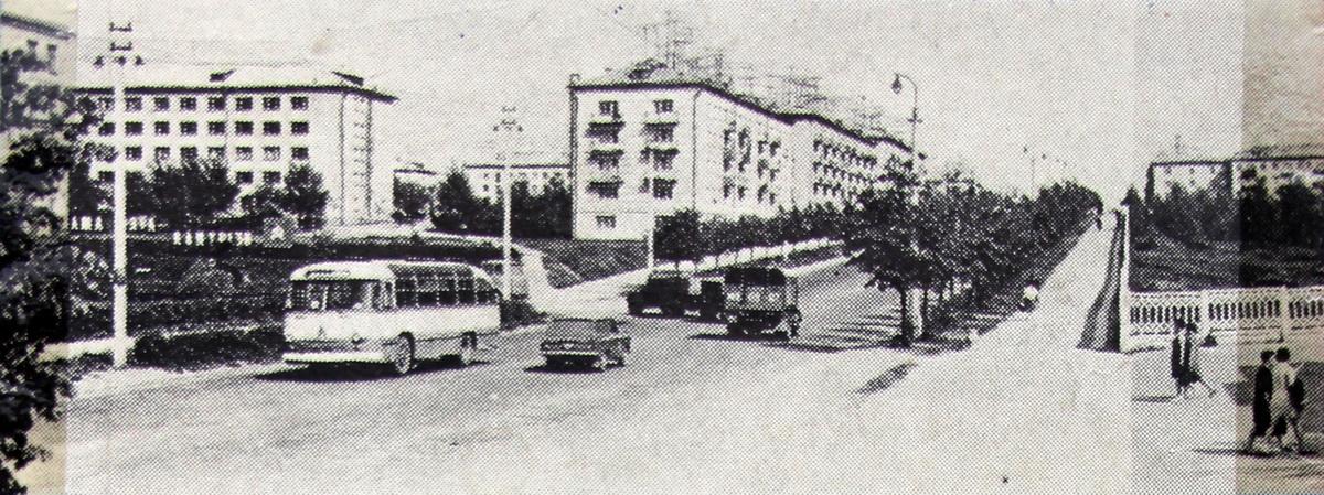 Былы праспект Леніна цяпер вуліца Вялікі Гасцінец у раёне Цэнтральнай плошчы, канец 1960-х