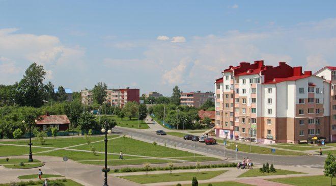 Рэшткі вёскі Бухаўшчына сярод шматпавярховай забудовы